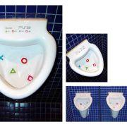 Urinal mit PS2 Werbung
